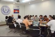 Des boursiers du Centre du Rotary pour la paix visitent les CETC