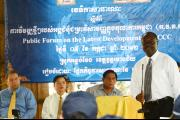 Public forum in Anlong Veng